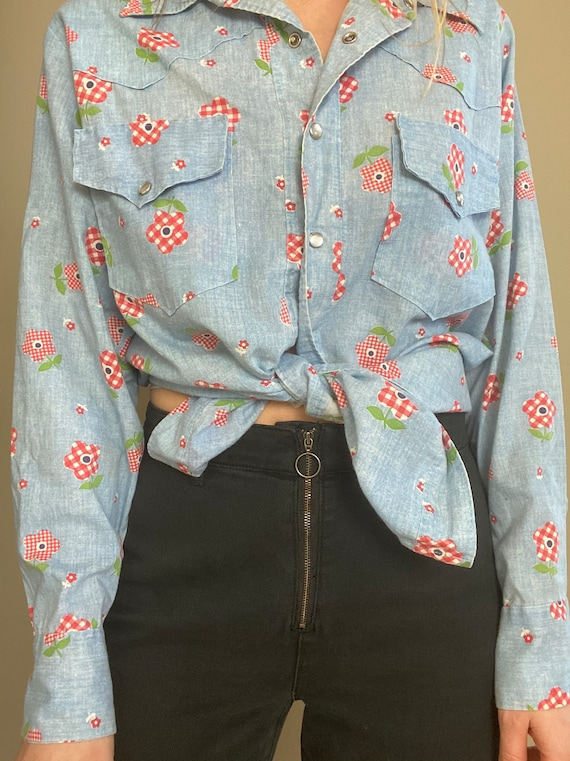 1970s Chambray Pearl Snap Button Up with Gingham … - image 9
