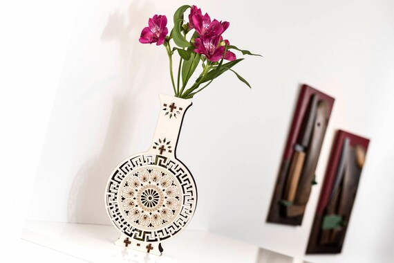 holz vase holzvase blumenvase einzelne blumen vase etsy. Black Bedroom Furniture Sets. Home Design Ideas