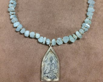 Aquamarine necklace Navy from the Zen Collection
