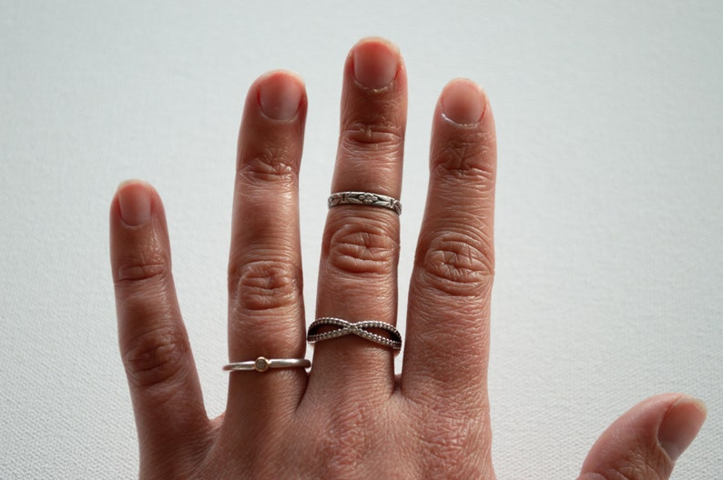 Knuckle Ring Flower Pattern Ring Stackable Ring Art Deco Ring Floral Stacking Ring Midi Ring