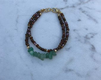Double strand bracelet with jade chips