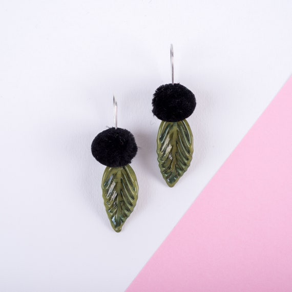 YoDAN Khaki green pop leafs