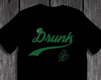 Drunk Saint Patrick's Day Drunk Leprechaun Hat Shamrock T-Shirt