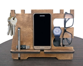 """Phone docking """"Vintage"""", Docking station, Father's day gift, Gift for men, Personalized excellent gift, Wooden stand, Desk Organizer."""