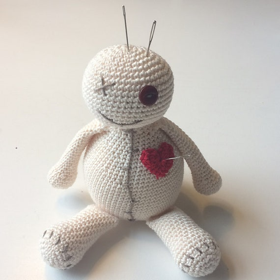 Voodoo Doll Pincushion Crochet Pattern | Supergurumi | 570x570