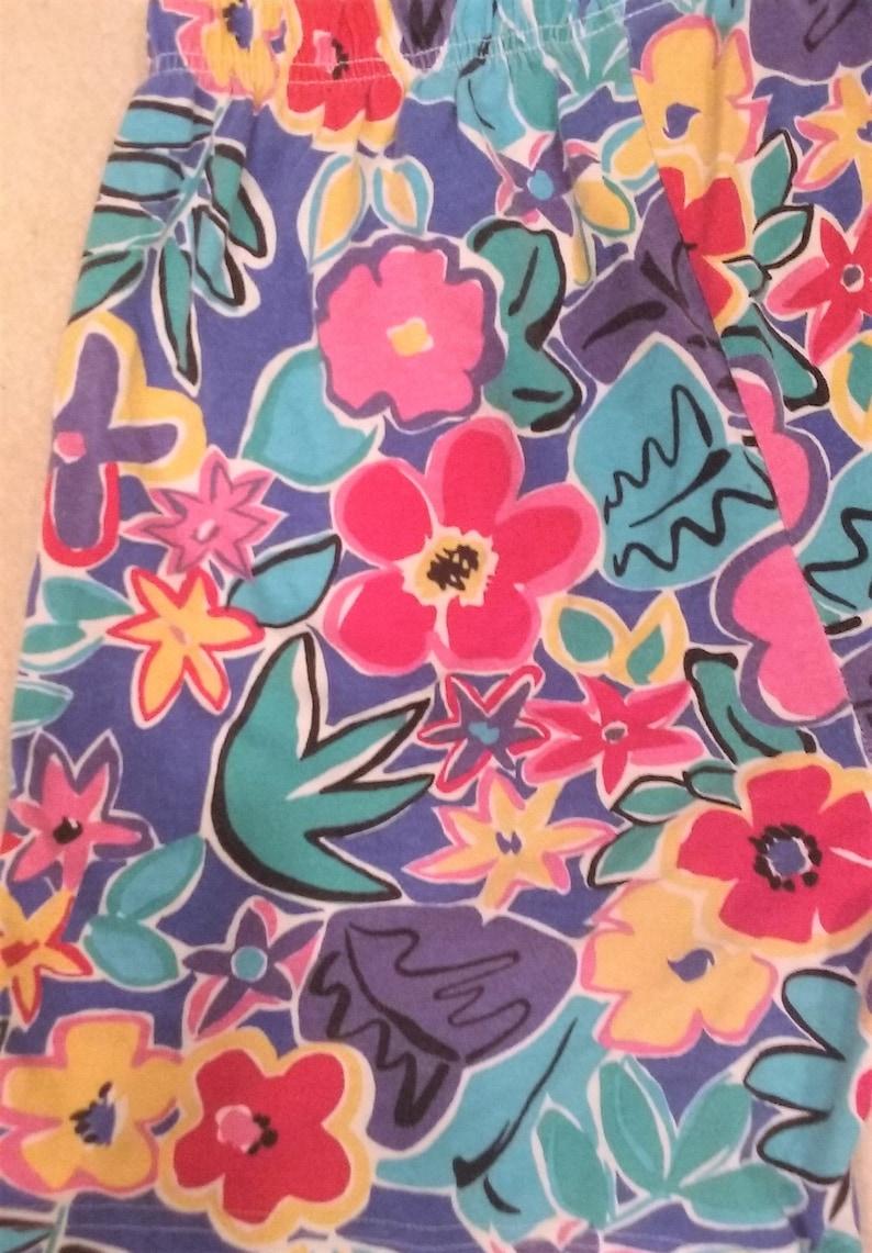 90s Colorful Floral Shorts Medium