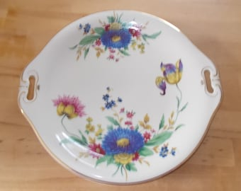 Serving plate with special floral decoration