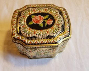 Vintage Gold Biscuit Tin with Raised detail by Daher made in England