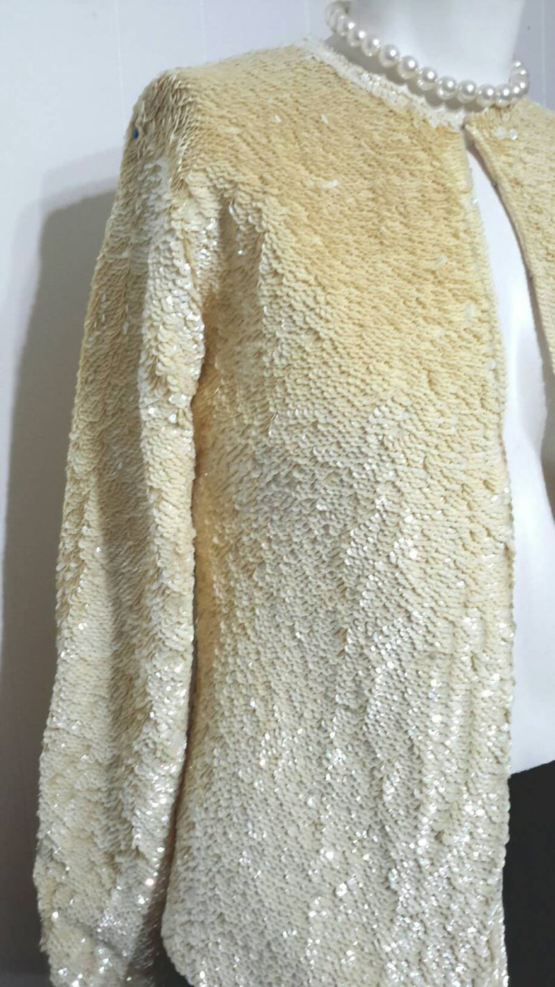 Vintage Sequin Jacket Formal Cream Fully Lined Beautiful Party Wedding Blazer Cocktail Jacket Clasp Closer