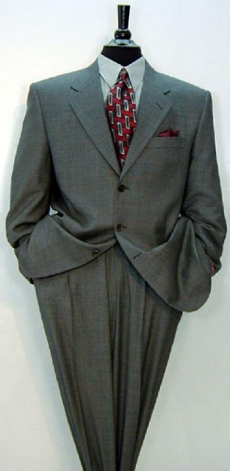 Mens  Formal Luxurious Charcoal Grey Notch Lapel Side Vented Premier Quality Italian Fabric Design Mens 3-Button Super 150s Wool Solid