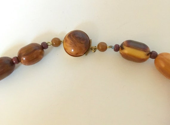 Brown Bakelite marble necklace, with small glass … - image 6