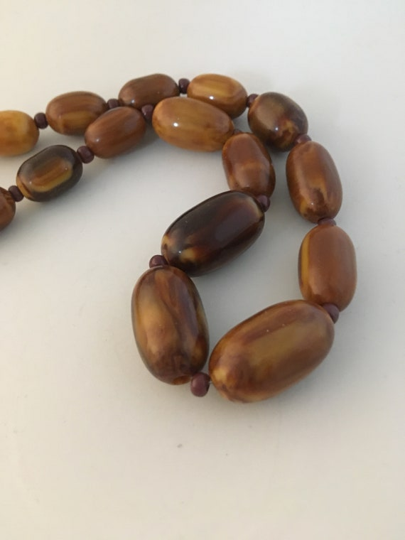 Brown Bakelite marble necklace, with small glass … - image 2