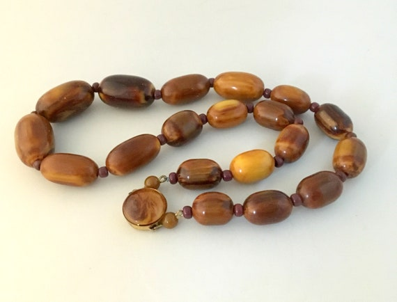 Brown Bakelite marble necklace, with small glass … - image 10