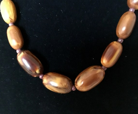 Brown Bakelite marble necklace, with small glass … - image 8