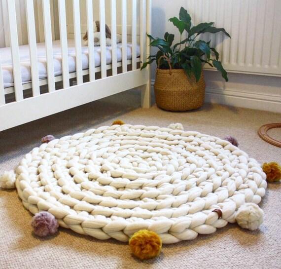pompon tricot tapis tapis au crochet tapis rond tapis etsy. Black Bedroom Furniture Sets. Home Design Ideas