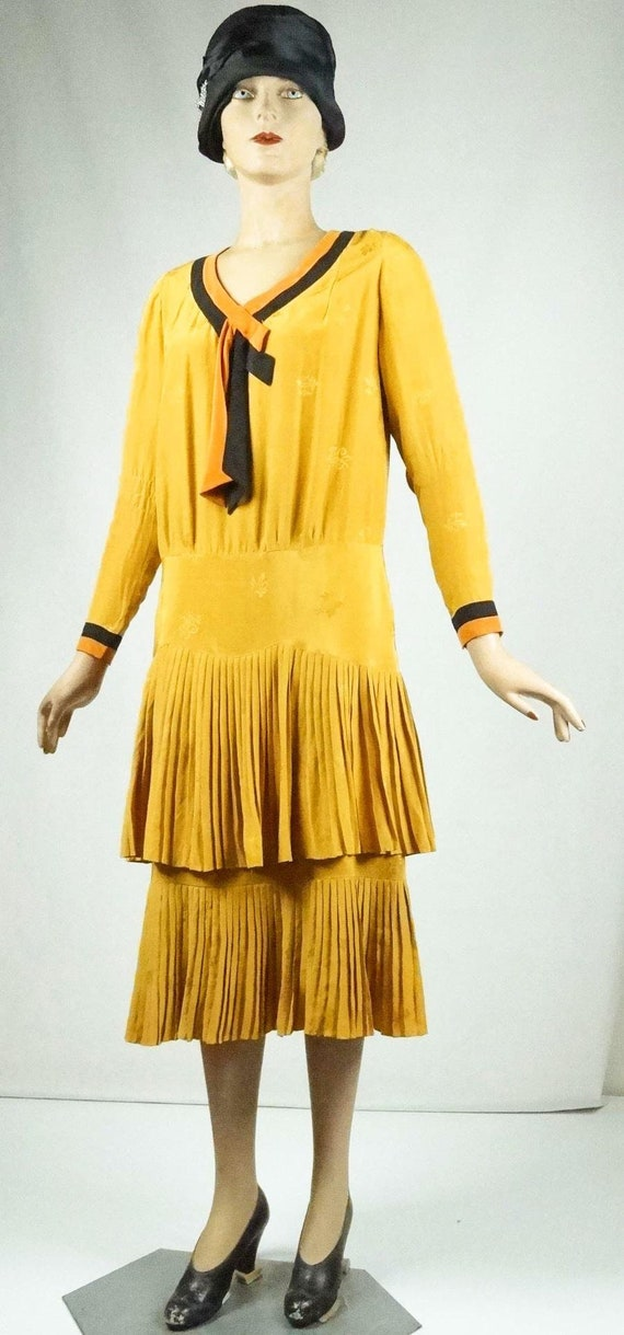 1920s Flapper Day Dress Pleated Silk Drop Waist G… - image 4
