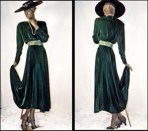 1940s Style Evening Dress Emerald Green Velvet Ele