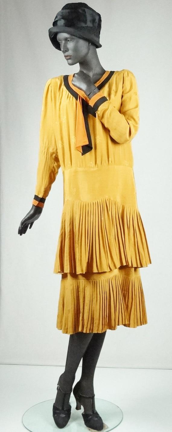 1920s Flapper Day Dress Pleated Silk Drop Waist G… - image 2
