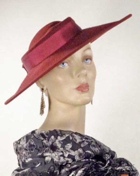 1930s 1940s Style Platter Hat Burgundy Wool Wide B