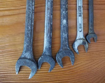 Set of 5 vintage wrenches for crafting