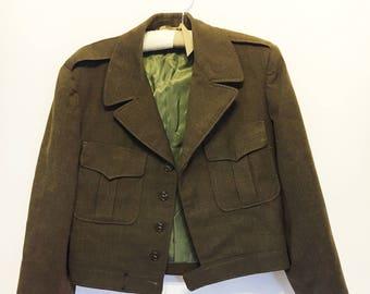 Vintage | 1950s Olive Green Cropped Men's Military Jacket