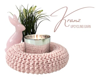 Pink wreath | knitted | Upcycled wool | Easter wreath | Decoration wreath | 22 cm | versatile | sustainably | Knit wreath | Home Decoration