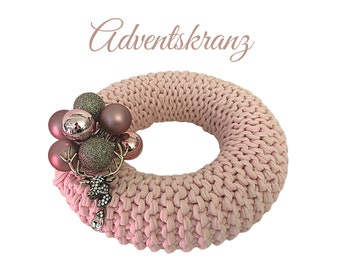 Pink Advent Wreath | knitted | Upcycled Wool | Christmas Wreath | Advent | Decoration Wreath | 22 cm | Balls | Glitter Deer | Brooch | Rhinestone