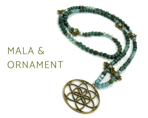 Grey-green Mala necklace made of natural stone beads with Ornamental Pendant | Lotus Blossoms | Brass | Prayer Chain | Yoga | 108 | Mala