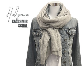 Light grey knitted scarve | Merino wool with cashmere | cream | light knitwear | Scarf | 130 x 60 cm | Wool scart | Cashmere | Cashmere shawl