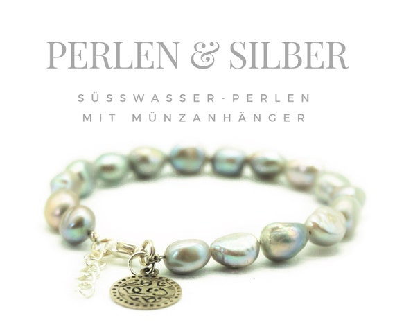 Pearl bracelet in silvery shimmering freshwater beads | Coin pendant and carabiner closure