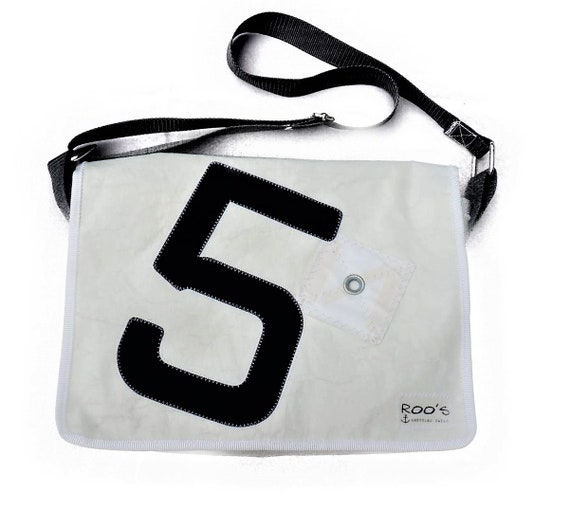 Messenger | Original Sail Bag | Laptop Bag | Black and White | upcycling | Sailing Bag | Crossbody Bag | Courier Bag | Notebook
