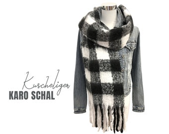 Large checked scar | black and white checkered | woven cloth | Cuddly scarf