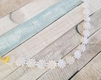 Jasmin: White Floral Lace Trim Choker Necklace