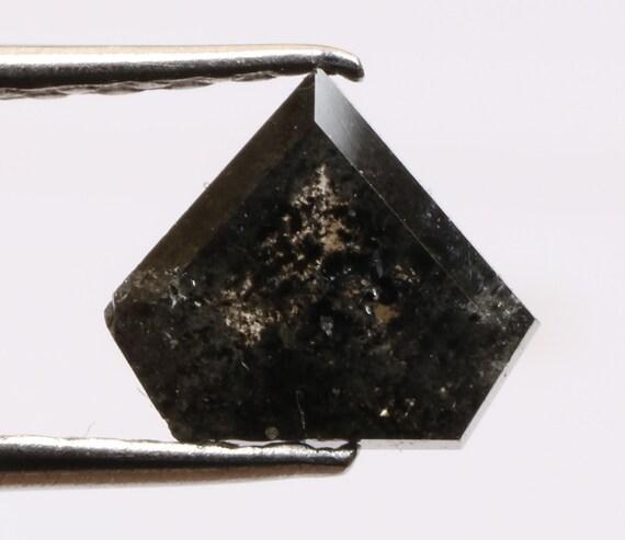 0,90 ct 5,7 X 6,6 mm naturel naturel naturel lâche sel et poivre noir couleur Pentagone belle forment diamant R1784 d2b4b8