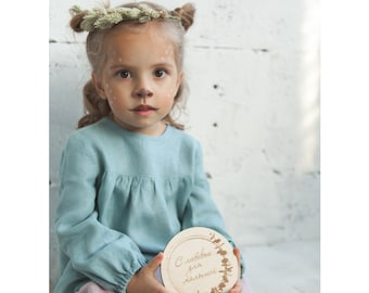 Girl's shirt with long sleeves and wooden buttons on the back, 100% LINEN