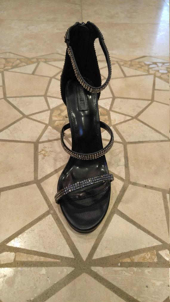Talon + détail détail détail de la sangle: Chaussures Strassed sur mesure, à l'aide des Swarovski Crystals authentique | Expédition Rapide  66371d