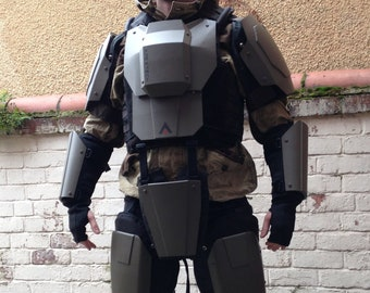 Need Apex Legends Cosplay Armour? This Maker Saw It Coming