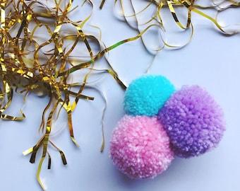 pom pom brooch - sky blue/candy pink/purple