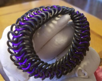 Purple and black 6 in 1 stretchy braclet