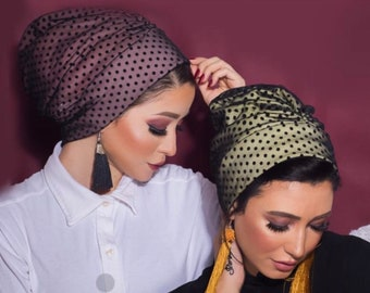Wrinkled design dotted tulle crepe lined turban.