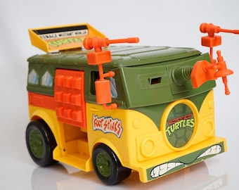 Teenage mutant ninja turtles party wagon and turtles