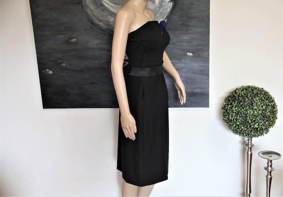 DONNA KARAN black strapless evening dress