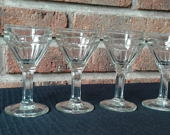 6 Old liquor glasses. Years 50 France