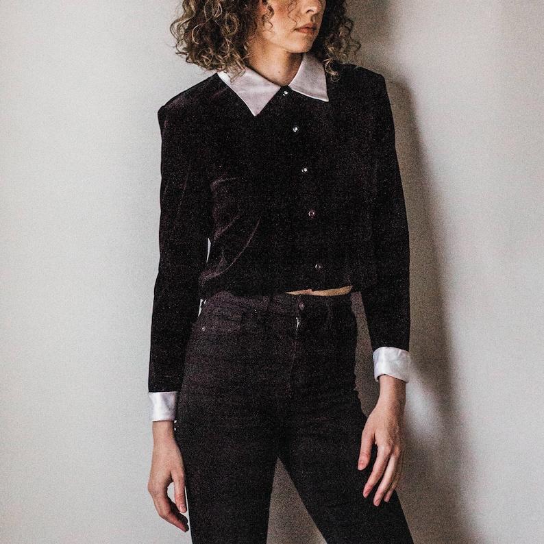 Vintage 80s Cropped Black Velvet Button-down wWhite Satin Collar /& Cuffs