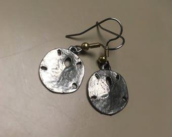 Sand dollar earrings// Gold Earrings// Silver Earrings