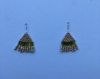 Green/white gold beaded dangle earrings
