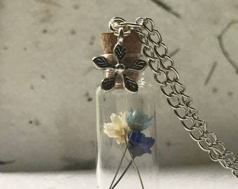 Dried flower necklace, real flower pendant, bottle necklace, botanical jewelry, terrarium necklace