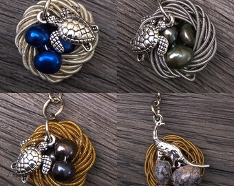 Animal nests • Keyring • efgh