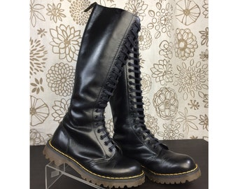 d7bd4dedc455 Vintage Dr. Martens 80 s Black 20 Eye Leather Boots UK 4