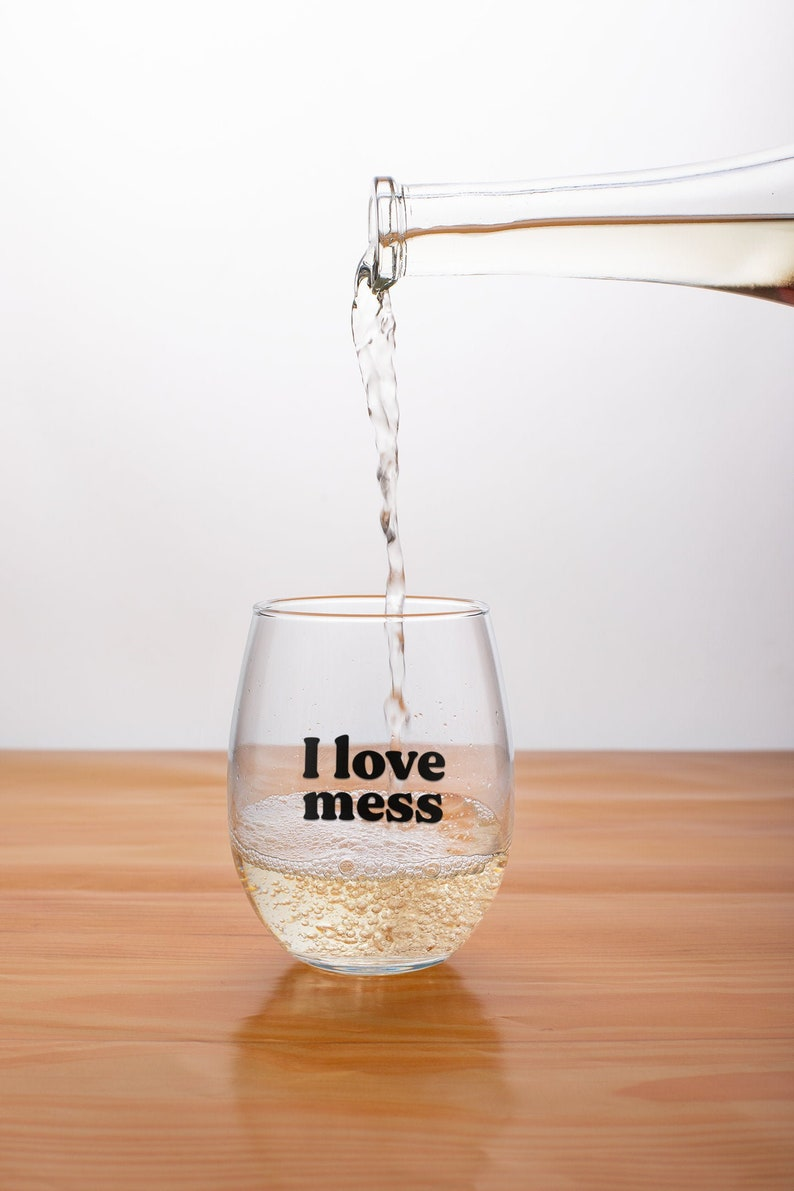 Tidying Up with Marie Kondo I Love Mess Stemless Wine Glass Marie Kondo
